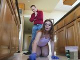 Arrogant Boss Could Not Stop Torturing New Maid