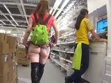 Hot Girl Goes In Shopping And Shows Her Round Naked Ass To Security Boy